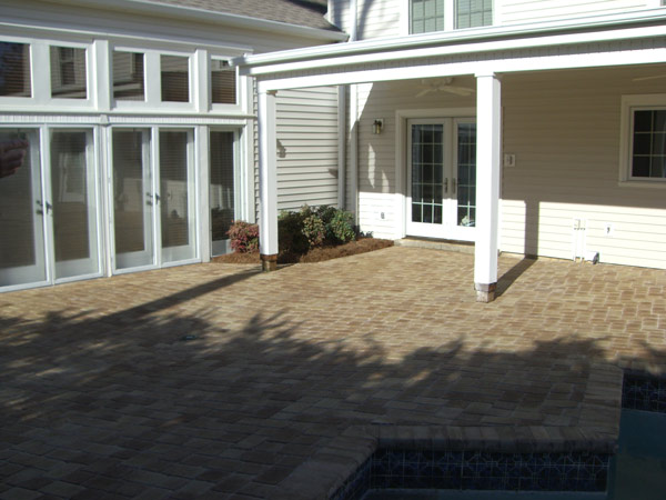 finished photo of patio hardscape install
